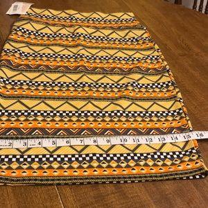 Lula Roe Cassie golden colored midi skirt
